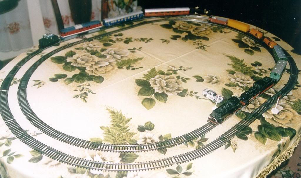 trenuri2000.jpg