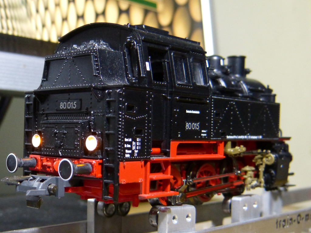 P1180070-faruri-spate-aprinse_zps4rl8zz6e.jpg