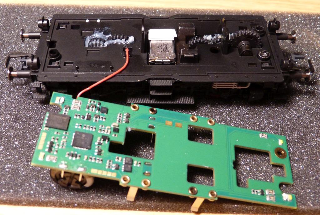 P1170377-adjustment-for-loudspeaker_zpsvgngjh8x.jpg