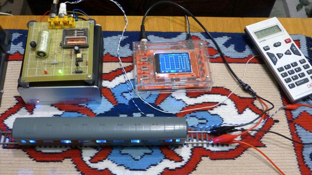 P1190568-osciloscop_zpsg5drvxap.jpg