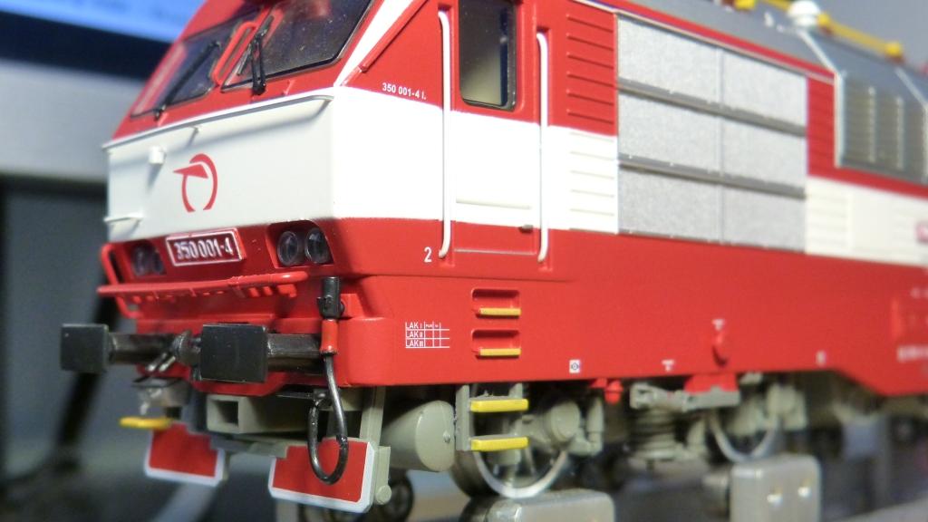 P1180467-reparatii-ZSSK350_zpsv4sofhcy.jpg